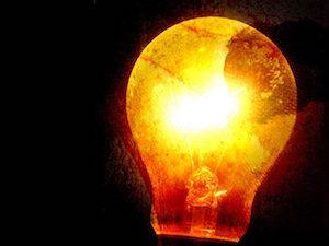 light-bulb-1425824-640x480